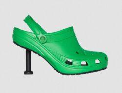 Balenciaga dan Crocs hadir dengan fashion item uniknya