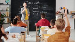 Untuk Guru: 6 tips agar Si Kecil tetap fokus ketika belajar dari rumah