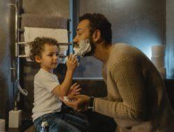 Tetap menjadi ayah yang baik meski sibuk melakukan perjalanan bisnis